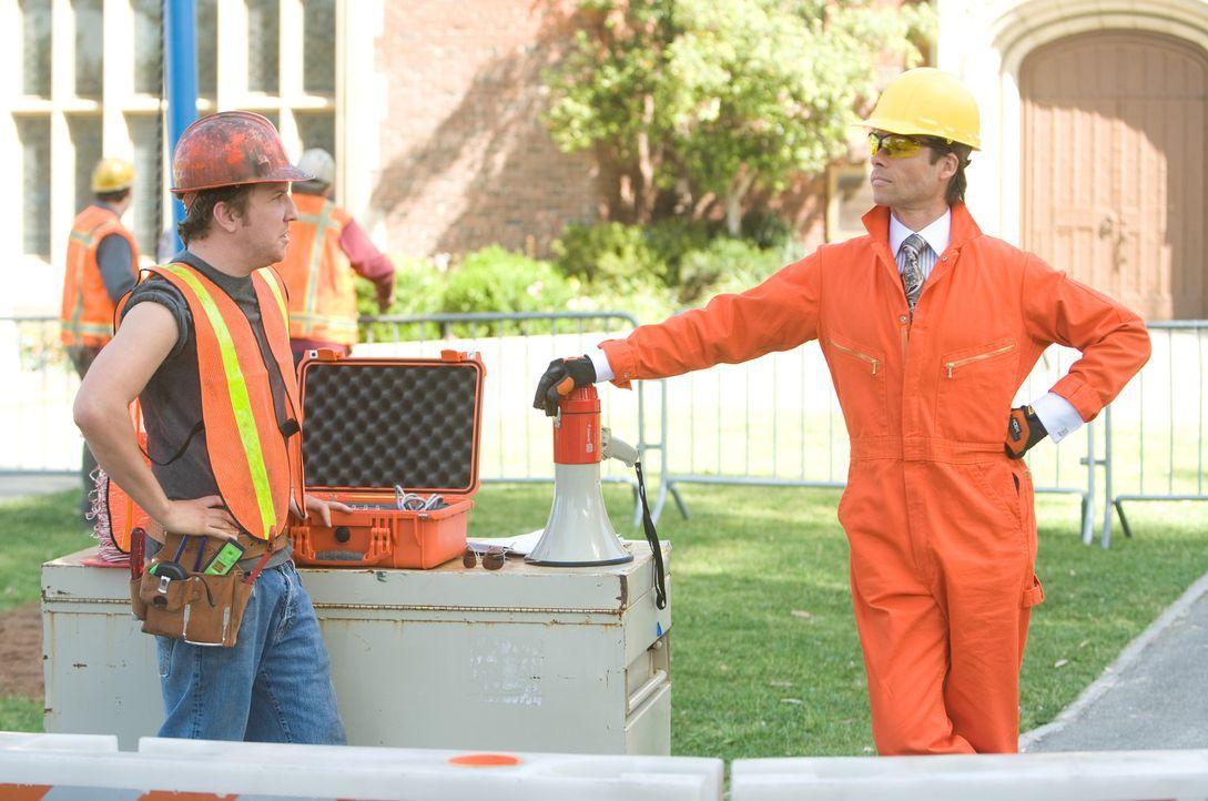 Der eiskalte Kendall (Guy Pearce) will die Schule der Kinder abreißen, um auf diesem Grundstück ein Superhotel zu bauen. Doch er hat die Rechnung oh... - Bildquelle: Disney