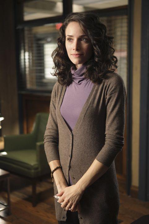 Die junge Sarah (Abigail Spencer) kann nicht glauben, dass ihr Verlobter, der ermordet wurde, noch verheiratet war und zwei Kinder hatte. - Bildquelle: ABC Studios