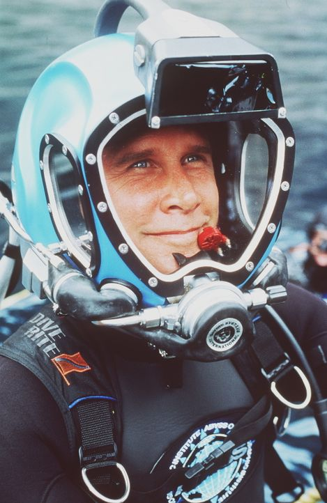 """Schon bald stoßen der Ozeanologe John Alden (Parker Stevenson) und sein Team vom Forschungsinstitut """"Abyss"""" auf einen Algenteppich mit todbringende... - Bildquelle: PARAMOUNT PICTURES"""