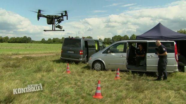 Achtung Kontrolle - Achtung Kontrolle! - Thema U.a.: Drohnen-verkehrskontrolle Auf Der Autobahn