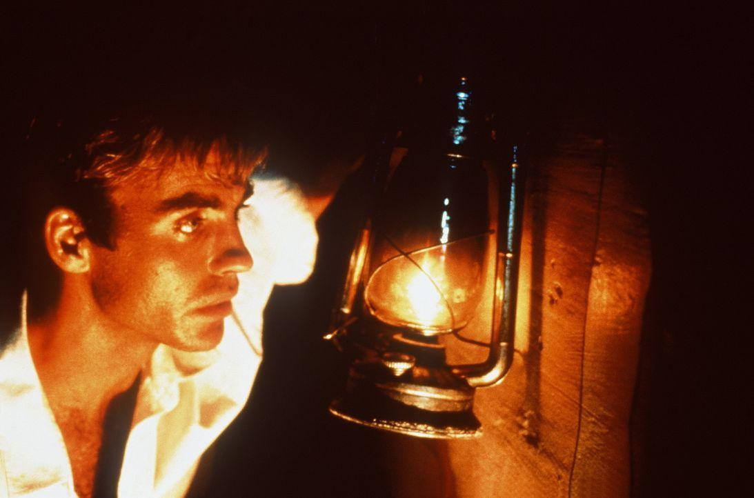Der junge Archäologe Jake Bonner (Jeff Fahey) scheint, einen sensationellen Fund gemacht zu haben: Er glaubt, die sagenhaften Schätze Alexanders d... - Bildquelle: Metro-Goldwyn-Mayer