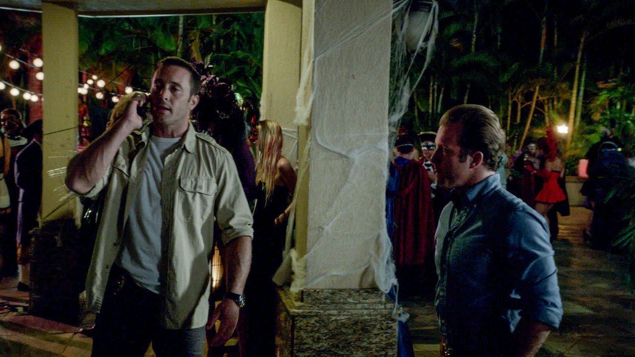 Müssen einen neuen Fall lösen: Steve (Alex O'Loughlin, l.) und Danny (Scott Caan, r.) ... - Bildquelle: 2013 CBS BROADCASTING INC. All Rights Reserved.
