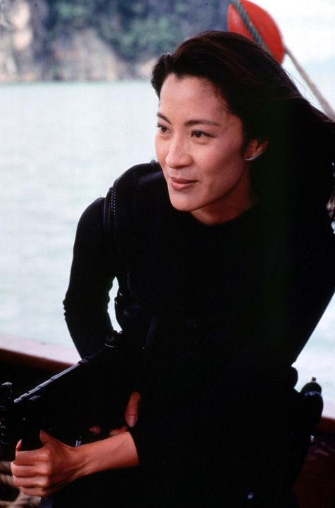 Michelle-Yeoh-James-Bond-Tomorrow-Never-Dies-1997-WENN-United-Artists - Bildquelle: WENN/United Artists
