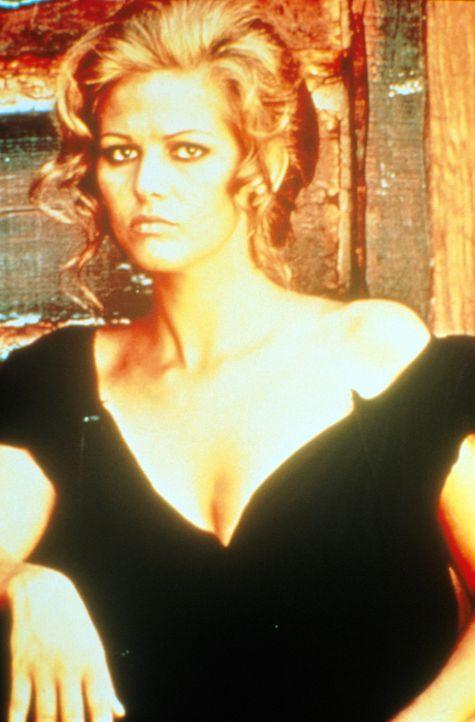 Einen Tag vor ihrer Hochzeit wird Jills (Claudia Cardinale) zukünftiger Ehemann von einem eiskalten Killer erschossen ... - Bildquelle: Paramount Pictures