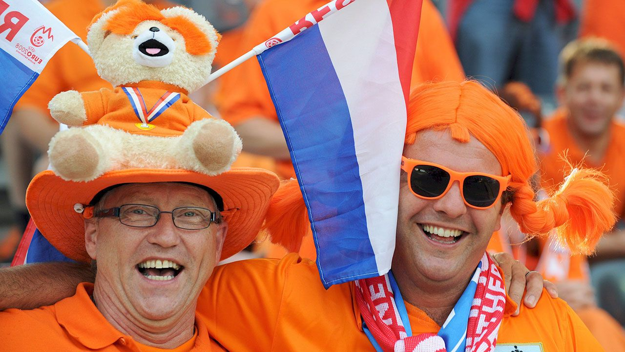 Die Fans der Oranjes - 1 - Bildquelle: dpa