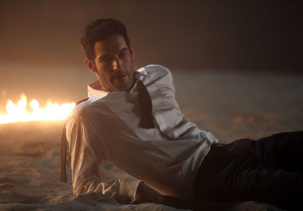Wird Lucifer (Tom Ellis) seine neu gewonnene Verletzlichkeit zum Verhängnis werden? - Bildquelle: 2016 Warner Brothers