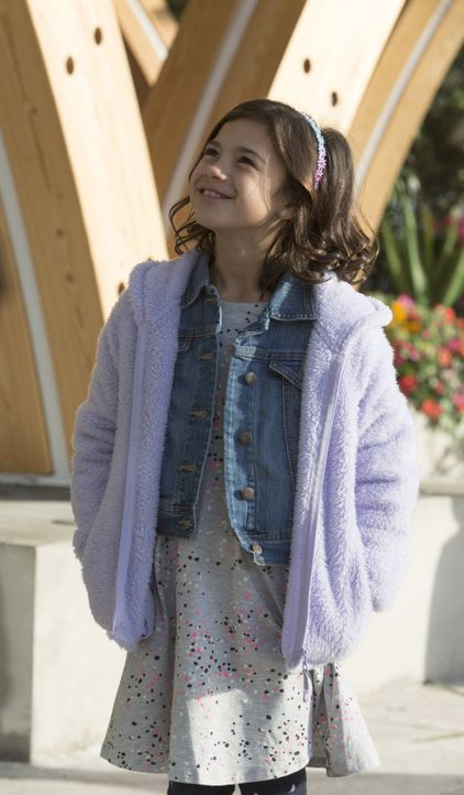 Als Lucifer glaubt, dass ihm ein Kind dabei helfen kann, seine Gefühle zu kontrollieren, benutzt er Trixie (Scarlett Estevez) einfach für seine Zwec... - Bildquelle: 2016 Warner Brothers