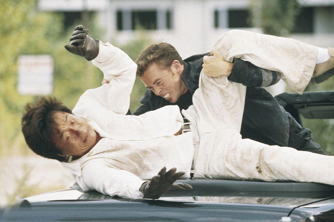 Mit vollem Einsatz gegen diverse bösartige Kreaturen: Buck Yuen (Jackie Chan, l.) ... - Bildquelle: Miramax Films