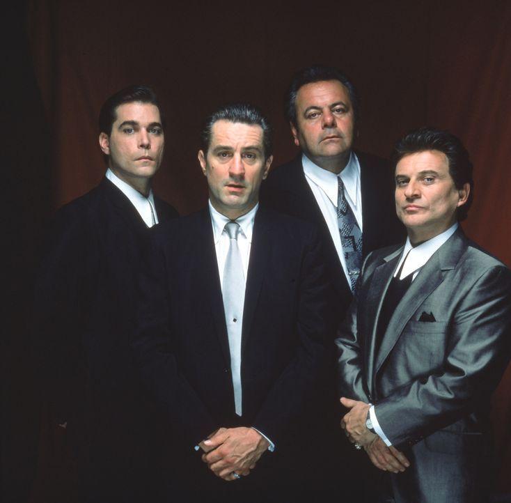 Die Elite der 'Good Fellas' (v.l.n.r.): Henry Hill (Ray Liotta), James Conway (Robert De Niro), Paul Cicero (Paul Sorvino) und Tommy de Vito (Joe Pe... - Bildquelle: Warner Bros.