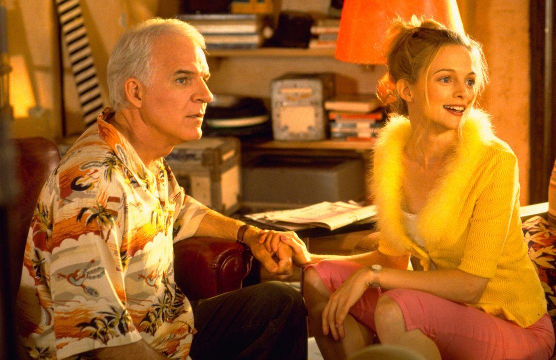 Bowfinger (Steve Martin, l.) und Daisy (Heather Graham, r.) schmieden einen total verrückten Plan, um den Schauspieler Kit Ramsey vor die Kamera zu... - Bildquelle: Universal Pictures