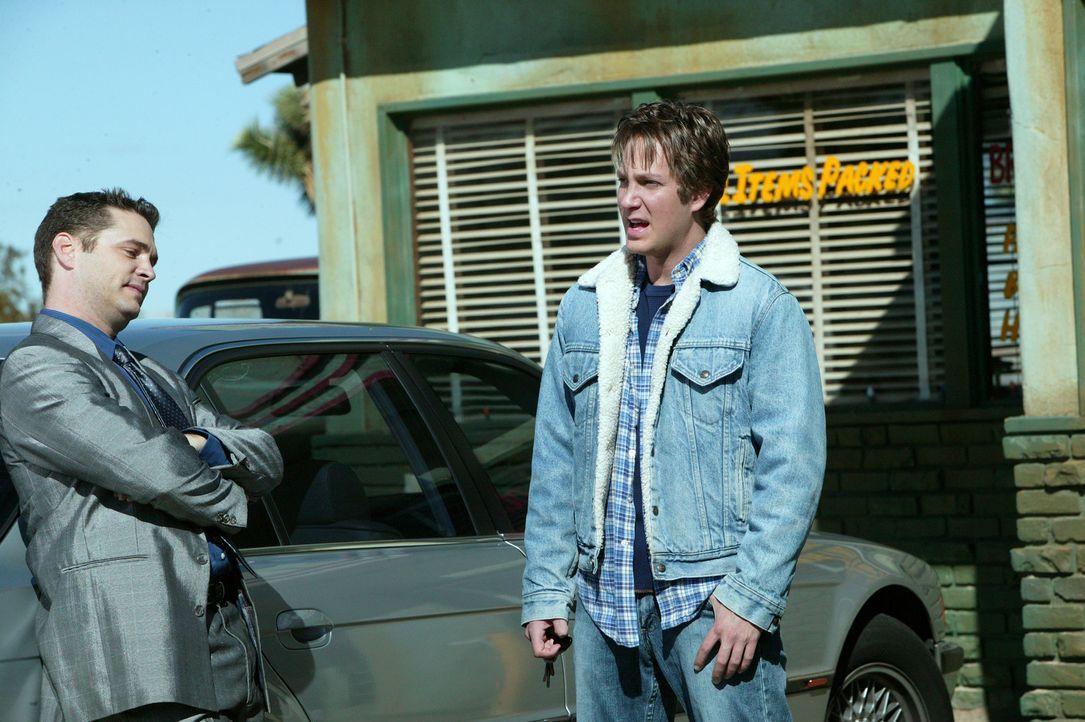 Harlan (Randy Spelling, r.) will nach Los Angeles, um hier sein Glück als Musiker zu finden. Unterwegs nimmt er den Anhalter Jude (Jason Priestley,... - Bildquelle: Paramount Pictures
