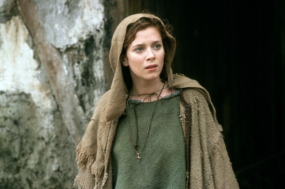 Lady Claire (Anna Friel) ahnt nicht, dass sie ihr Herz an einen 500 Jahre Älteren verlieren wird … - Bildquelle: Concorde Filmverleih GmbH