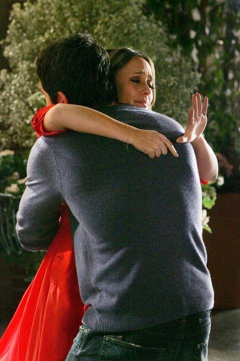 Haben etwas zu Feiern: Melinda (Jennifer Love Hewitt, l.) und Jim (David Conrad, r.) - Bildquelle: ABC Studios