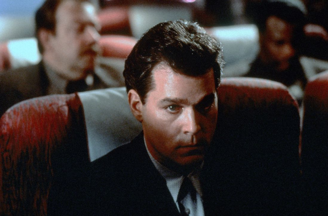 Unterwegs zu seiner Hinrichtung: Serienkiller Ryan Weaver (Ray Liotta) … - Bildquelle: Paramount Pictures International Ltd.