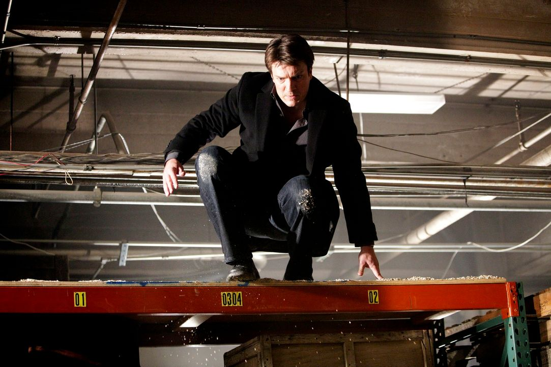 Kann Castle (Nathan Fillion) in letzter Sekunde verhindern, dass der brutale Hal Lockwood seine Drohungen wahr macht? - Bildquelle: 2010 American Broadcasting Companies, Inc. All rights reserved.