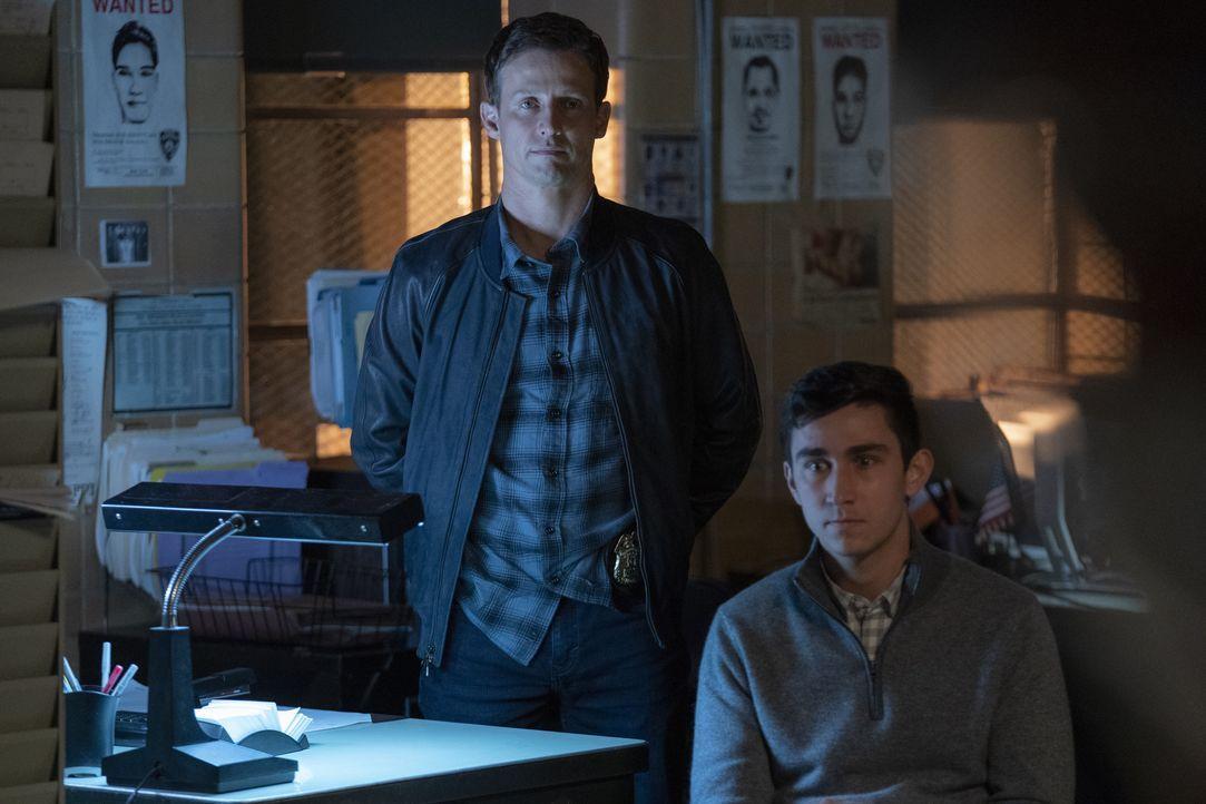 Jamie Reagan (Will Estes, l.); Futuro Marconi (Andrew Burdette, r.) - Bildquelle: Patrick Harbron 2020 CBS Broadcasting Inc. All Rights Reserved. / Patrick Harbron