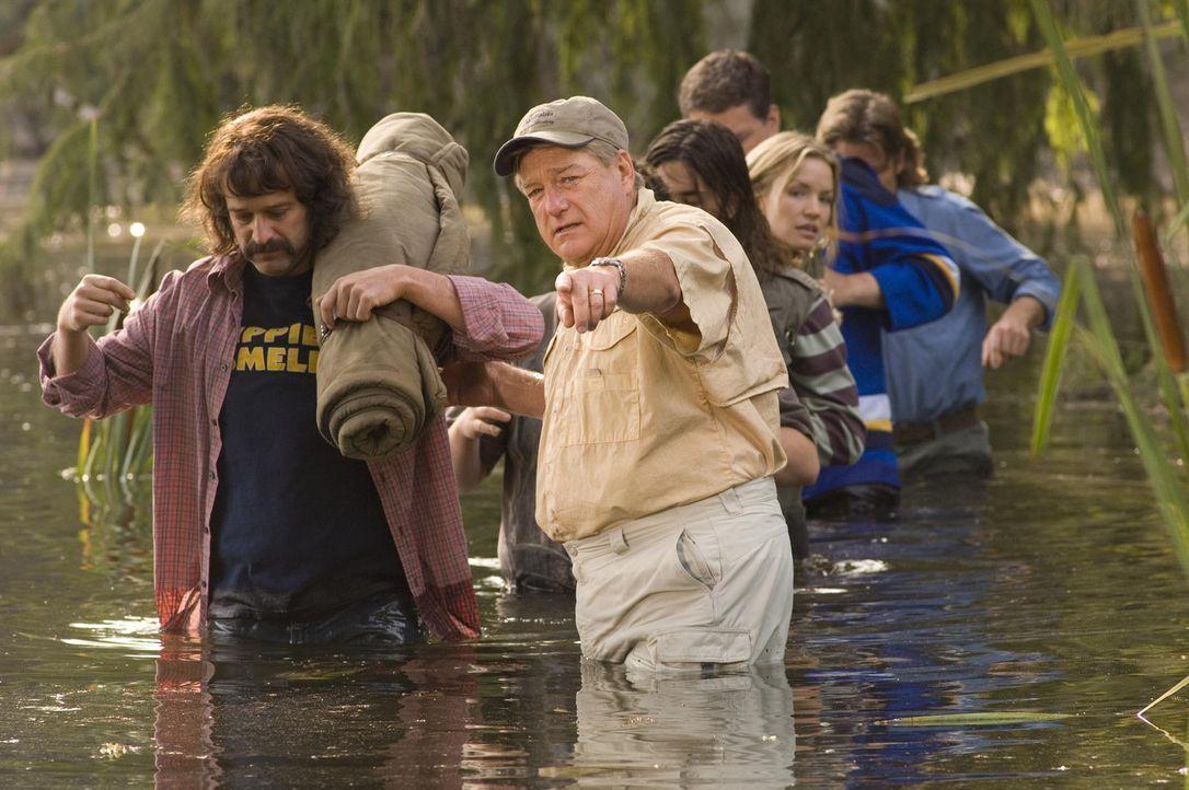 Die Suche nach Bigfoot gestaltet sich ziemlich schwierig:Tontechniker Fred (Allen Covert, l.), Cheryl (Ashley Scott, r.) und Dick (Blake Clark, M.)... - Bildquelle: Paramount Pictures