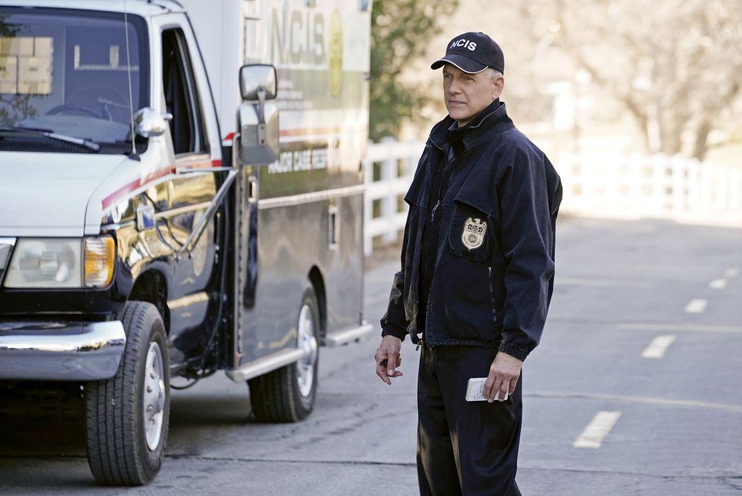 Muss zusammen mit seinem Team einen neuen Fall lösen: Gibbs (Mark Harmon) ... - Bildquelle: Jace Downs 2016 CBS Broadcasting, Inc. All Rights Reserved / Jace Downs