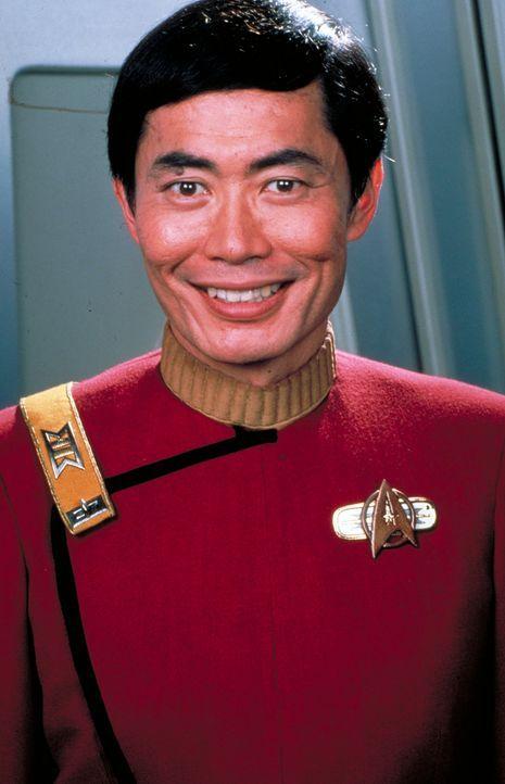 Cmdr. Sulu (George Takei) ist ein erfahrenes Mitglied der Crew. - Bildquelle: Paramount Pictures