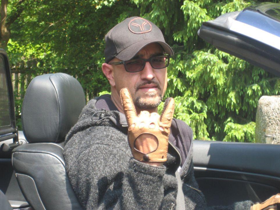 """Alex Wesselsky ist Profi, was gebrauchte Fahrzeuge betrifft. In """"Auto gebraucht? hilft er Kaufinteressenten, bei der Suche nach dem richtigen Objekt. - Bildquelle: kabel eins"""