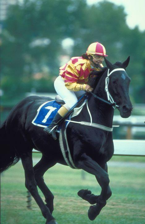Ihre Mutter will nicht, dass sie Jockey wird und ihr Pferd glaubt nicht daran, dass es ein Rennpferd ist, aber die kleine Corrie (Krissy Perez) will... - Bildquelle: Disney