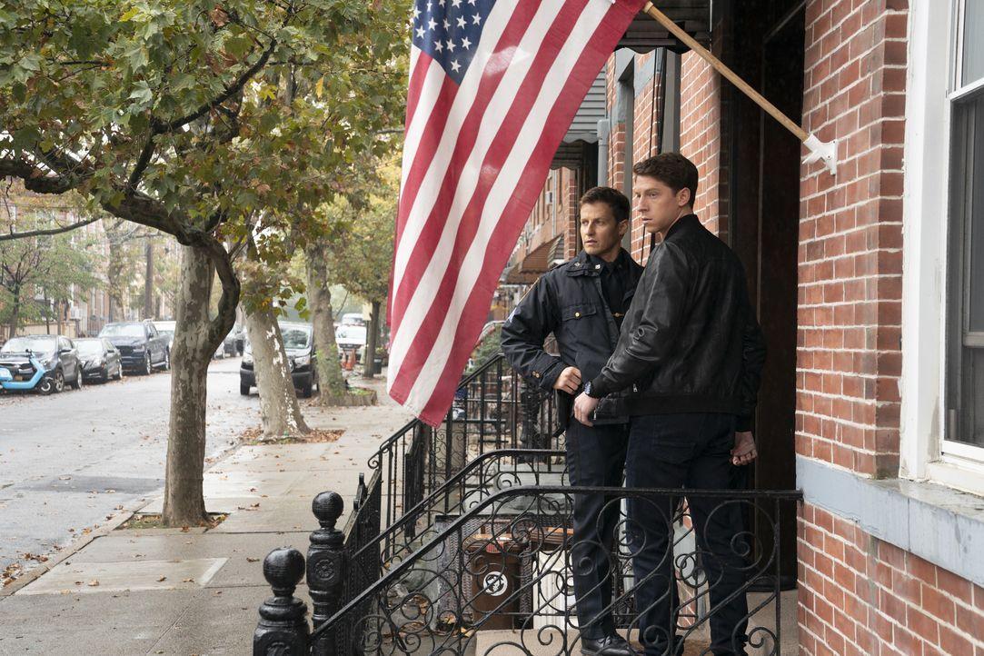 Jamie Reagan (Will Estes, l.); Joe Hill (Will Hochman, r.) - Bildquelle: Patrick Harbron 2020 CBS Broadcasting Inc. All Rights Reserved. / Patrick Harbron