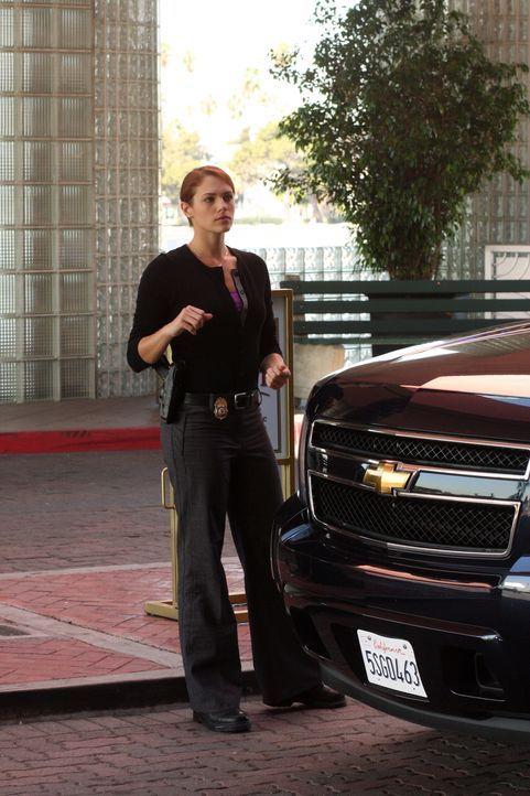 Ein neuer Fall beschäftigt Grace (Amanda Righetti) ... - Bildquelle: Warner Bros. Television