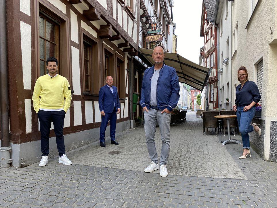 (v.l.n.r.) Özay Salim; Thomas Hirschberger; Frank Rosin; Eva-Miriam Gerstner - Bildquelle: Kabel Eins