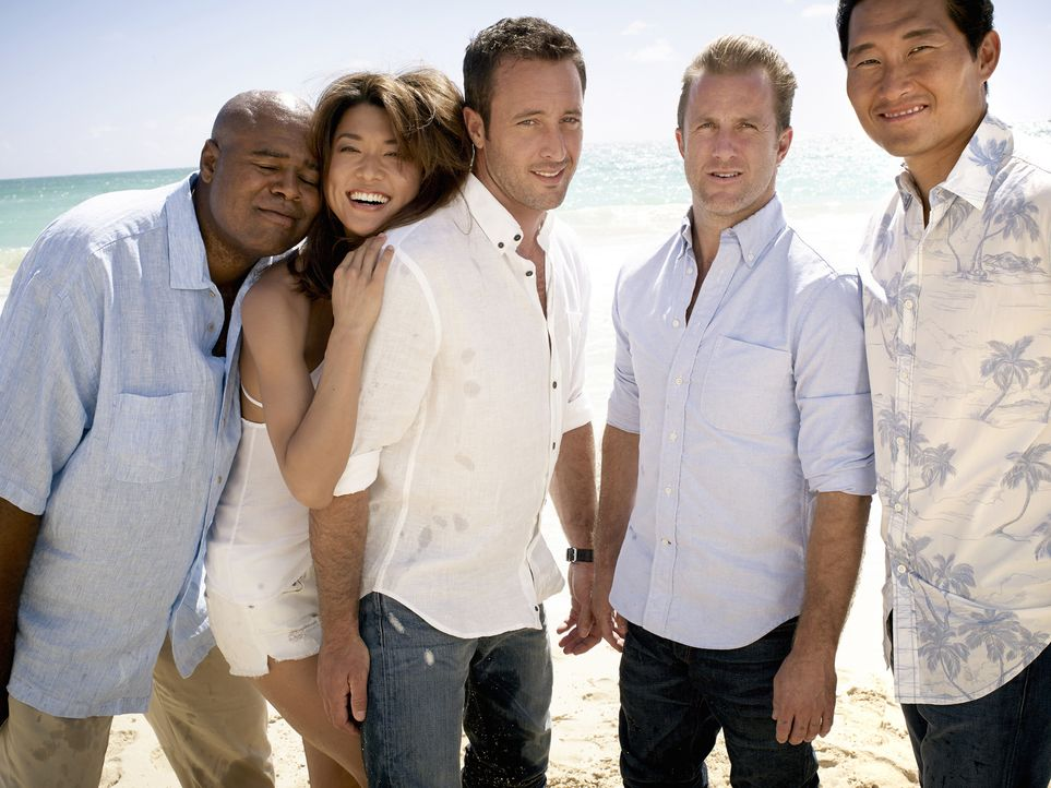 (5. Staffel) - Im Kampf gegen das organisierte Verbrechen: Steve (Alex O'Loughlin, M.), Danny (Scott Caan, 2.v.r.), Chin (Daniel Dae Kim, r.), Kono... - Bildquelle: Art Schreiber 2014 CBS Broadcasting Inc. All Rights Reserved.