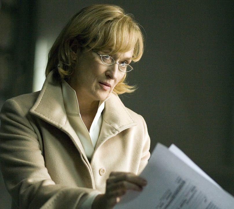 Versucht den Mord an einem ihrer Angestellten zu klären: CIA Chefin Corinne Whitman (Meryl Streep) ... - Bildquelle: Warner Brothers