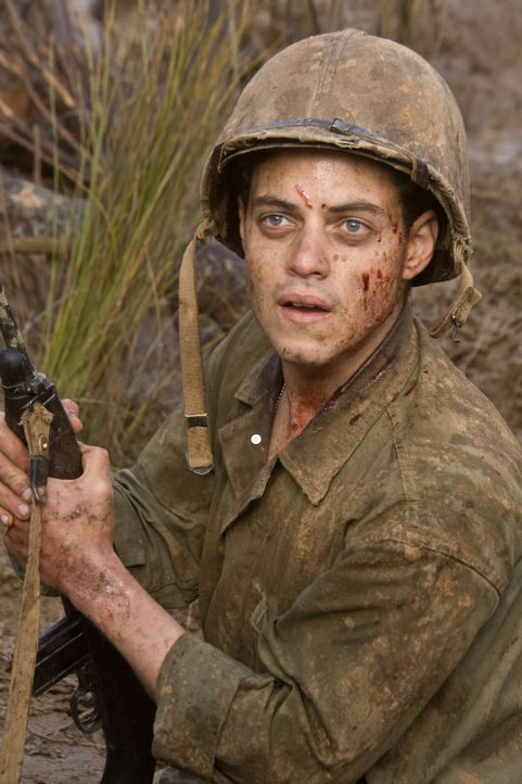 Gerät ins Kreuzfeuer: Snafu (Rami Malek) ... - Bildquelle: Home Box Office Inc. All Rights Reserved.