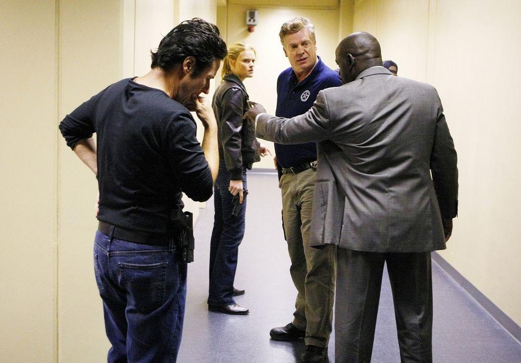 Werden sie sich einigen? (v.l.n.r.) Don (Rob Morrow), Janet Galvin (Missi Pyle), Frank Thompson (Christopher McDonald) und David (Alimi Ballard) - Bildquelle: Paramount Network Television