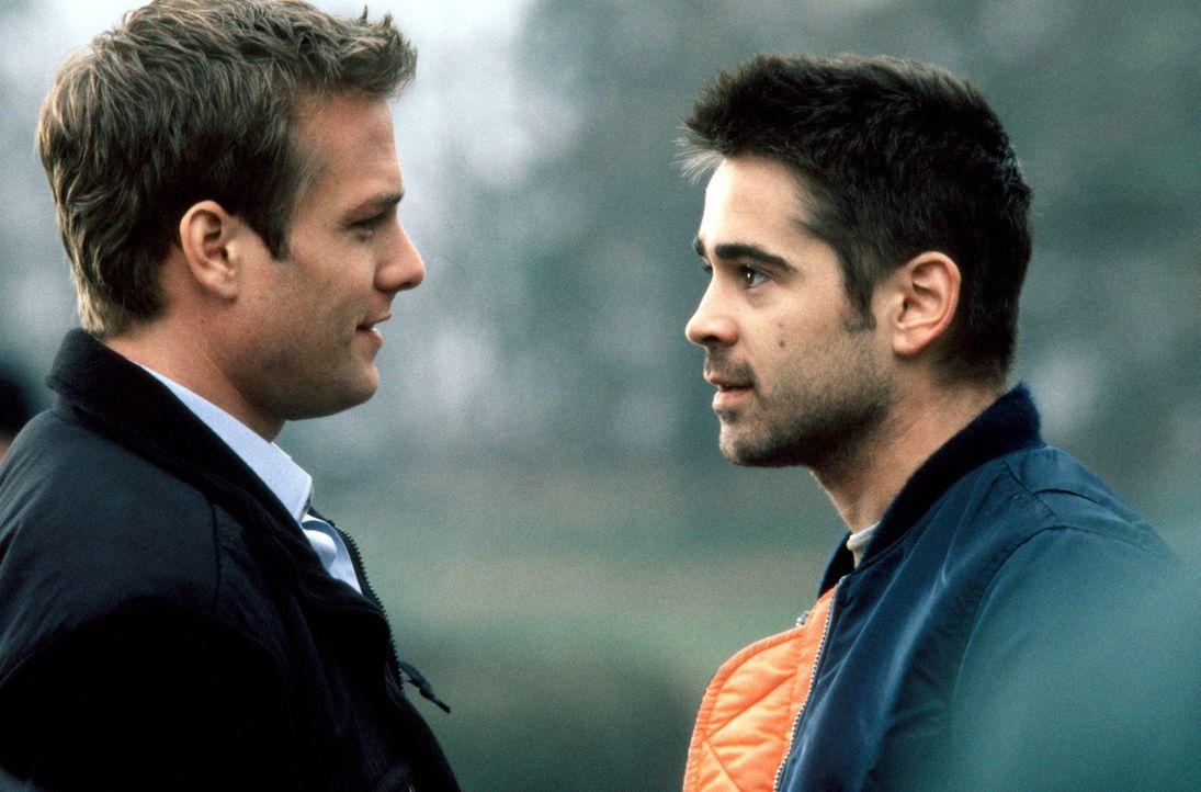 Kann James (Colin Farrell, r.) Zack (Gabriel Macht, l.) trauen? - Bildquelle: SPYGLASS ENTERTAINMENT GROUP.LP.ALL RIGHTS RESERVED