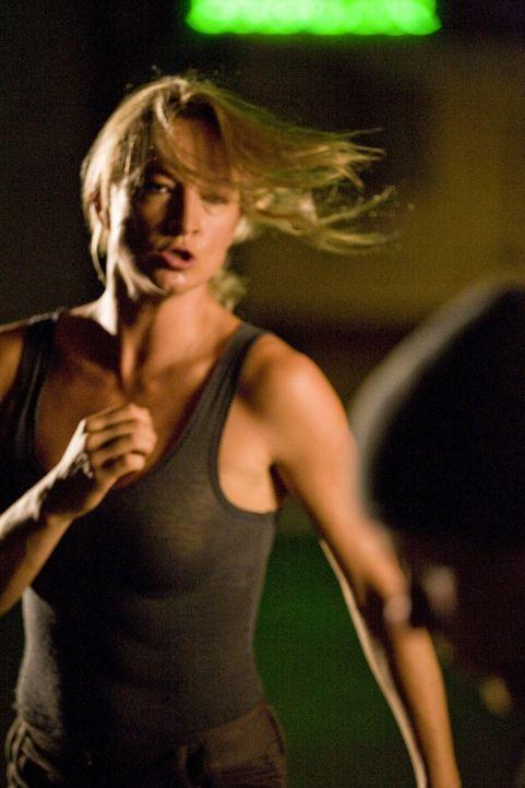 Eines Tages findet Todesengel Eve (Zoe Bell) keine Erfüllung mehr in ihrem Job. Sie will nicht nur ihren Job als Auftragskillerin hinschmeißen, sond... - Bildquelle: 2009 Colton Productions, Inc. All Rights Reserved.