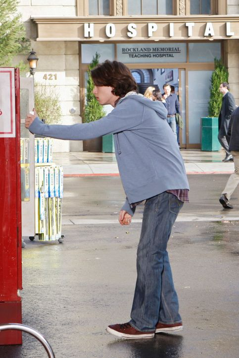 Mike Walter (Nick Eversman) und seine Schwester werden von einem Geist gequält und schikaniert ... - Bildquelle: ABC Studios