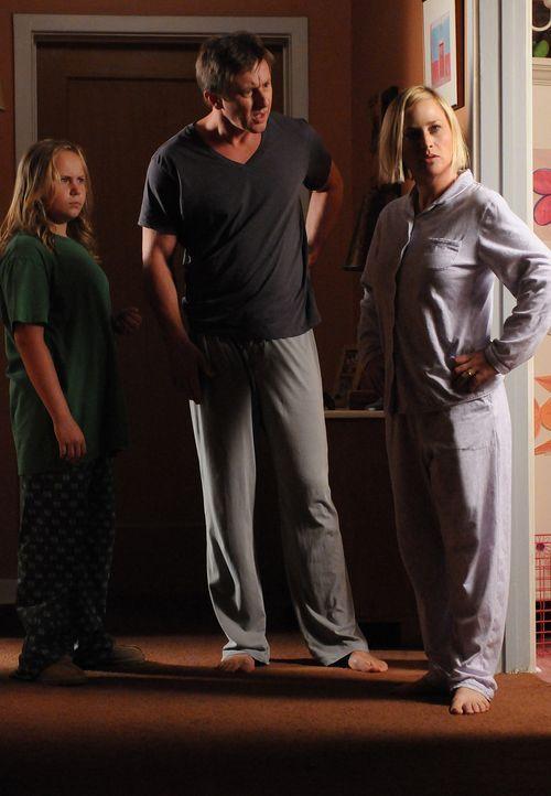 Aus irgendeinem Grund haben Bridgette (Maria Lark, l.) und Allison (Patricia Arquette, r.) ihre Körper getauscht, was nicht nur sie selbst, sondern... - Bildquelle: Copyright ITV plc (ITV Global Entertainment Ltd)