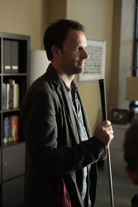 Mit einer hervorragenden Auffassungsgabe versucht Sherlock Holmes (Jonny Lee Miller) einen neuen Fall zu lösen ... - Bildquelle: CBS Television