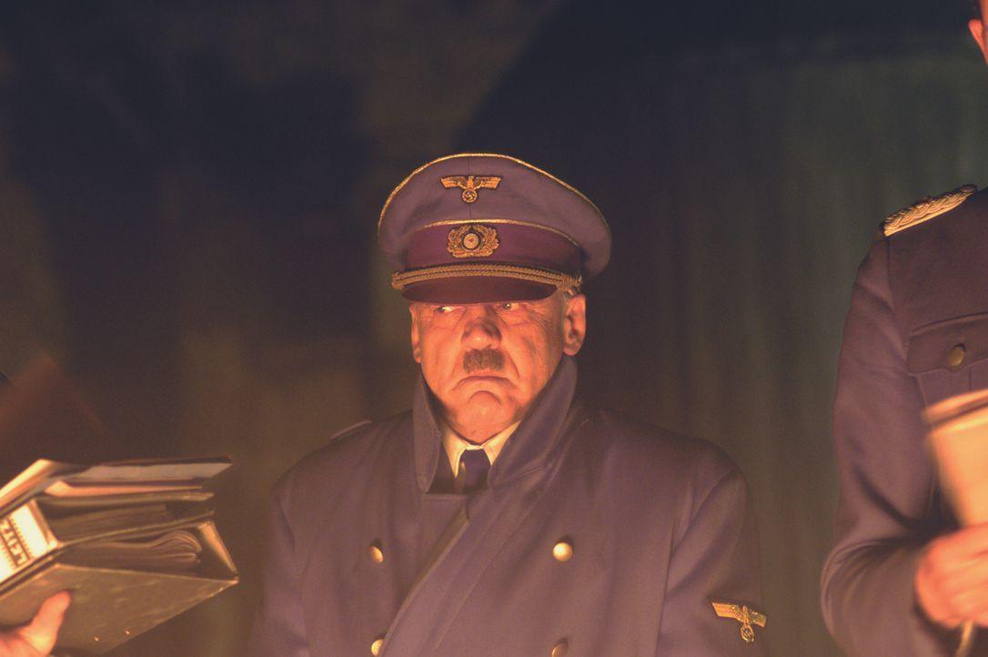 Adolf Hitler (Bruno Ganz) - Bildquelle: Constantin Film Verleih GmbH