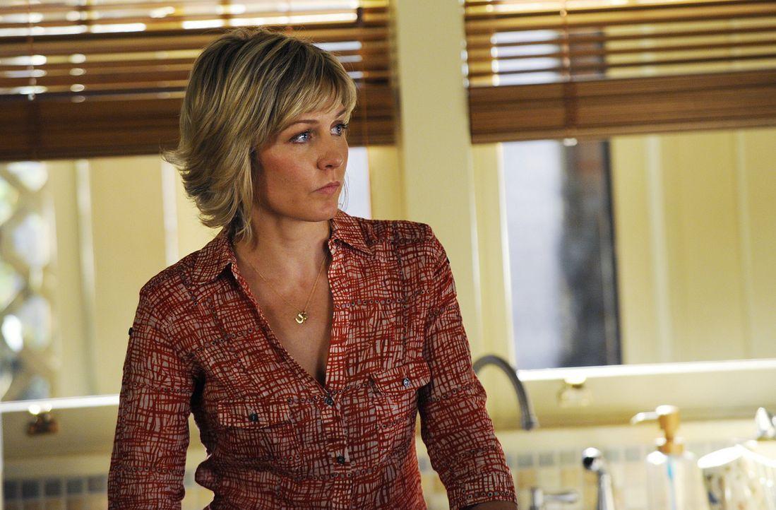 Die ständige Sorge um ihren Mann belastet Linda (Amy Carlson) sehr ... - Bildquelle: 2011 CBS Broadcasting Inc. All Rights Reserved