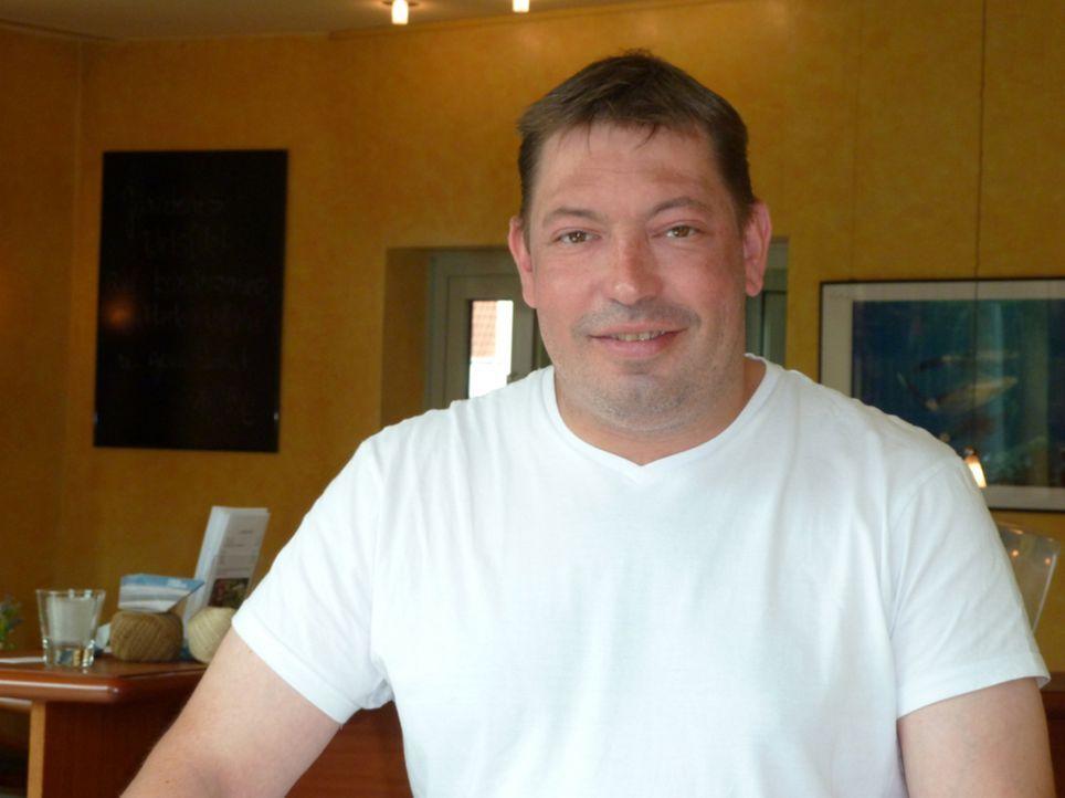 Hofft auf die Hilfe von Frank Rosin: Ralf Stelljes ... - Bildquelle: kabel eins
