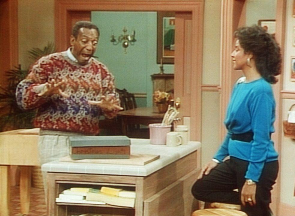 Endlich hat Cliff (Bill Cosby, l.) die Bohrmaschine gefunden, die seinem Freund Jeffrey gehört. Clair (Phylicia Rashad, r.) ist erleichtert. - Bildquelle: Viacom