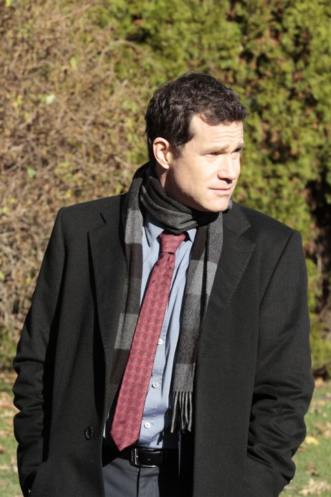 Bei den Ermittlungen in einem Mordfall: Al (Dylan Walsh) ... - Bildquelle: 2011 CBS Broadcasting Inc. All Rights Reserved.