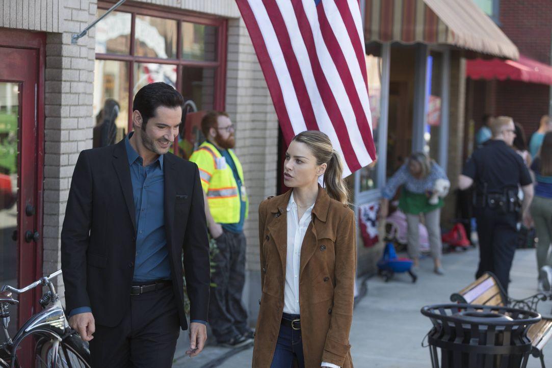 Der Mord an einem Lichtdouble beschäftigt Lucifer (Tom Ellis, l.) und Chloe (Lauren German, r.) ... - Bildquelle: 2016 Warner Brothers