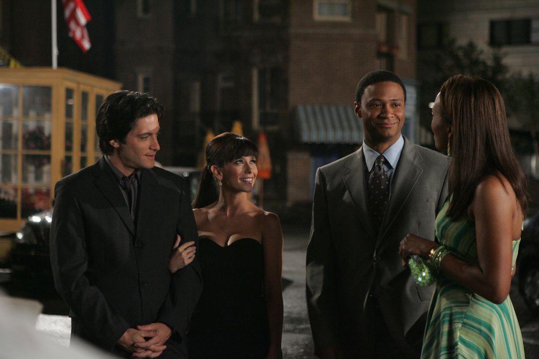 Andrea (Aisha Tyler, r.) soll mit dem Feuerwehrmann Will (David Ramsey, 2.v.r.) verkuppelt werden. ein gemeinsame Abendessen mit Melinda (Jennifer L... - Bildquelle: ABC Studios
