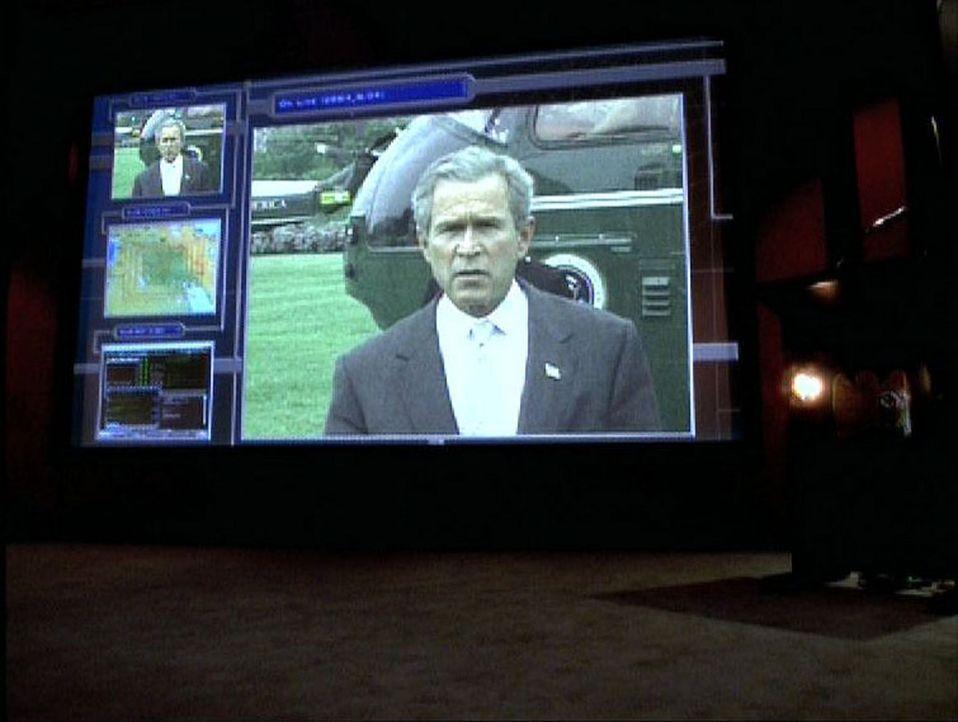 Die Terroristen planen einen Anschlag auf den Präsidenten der USA... - Bildquelle: CBS Television