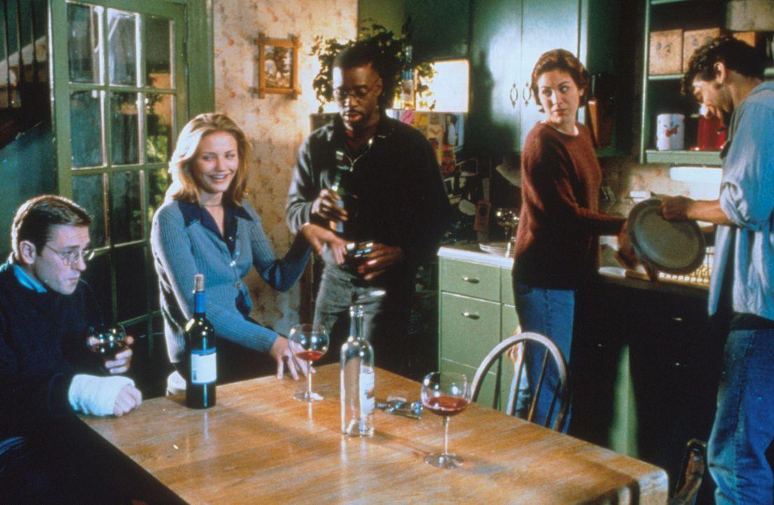 Guten Appetit! Die Fünf freuen sich, der Welt etwas Gutes zu tun. Und jeder darf mal morden - ob Pete (Ron Eldard, l.), Jade (Cameron Diaz, 2.v.l.)... - Bildquelle: Columbia Pictures Corporation