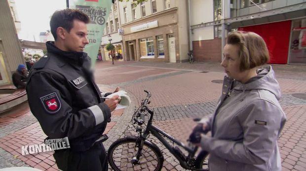 Achtung Kontrolle - Achtung Kontrolle! - Thema U.a.: Unwissenheit Schützt Vor Strafe Nicht - Polizei Peine