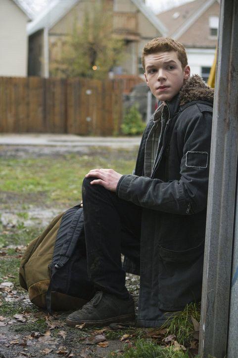Zeigt sich von den im Haus abspielenden Dramen unbeindruckt: Ian (Cameron Monaghan) ... - Bildquelle: 2010 Warner Brothers