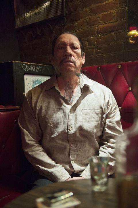 Tuhon (Danny Trejo) ist in Mexiko untergetaucht, wo Callen und Sam ihn aufspüren. Sie stellen fest, dass der Profikiller unter seinen eigenen Leuten... - Bildquelle: CBS Studios Inc. All Rights Reserved.