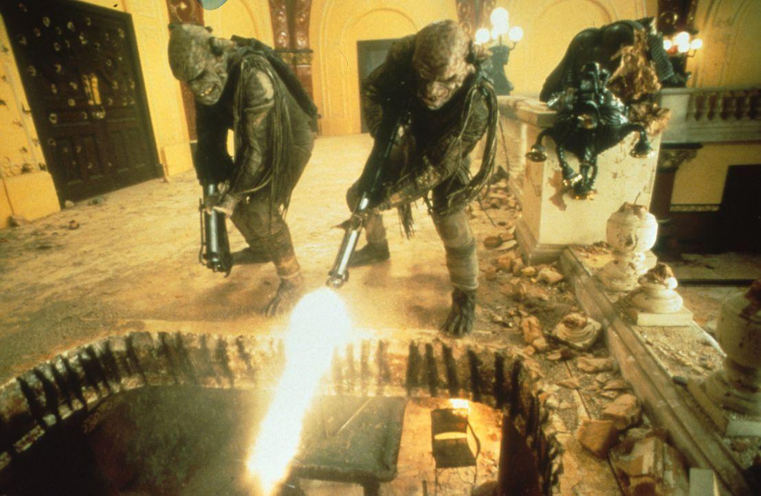 Der Vernichtungsfeldzug des absolut Bösen hat begonnen ... - Bildquelle: Tobis Filmkunst